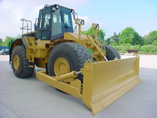 Wheel bulldozer